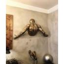 Настінна скульптура Wall art man