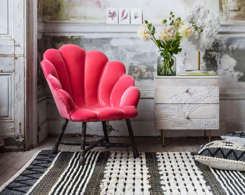 оксамитовий стілець