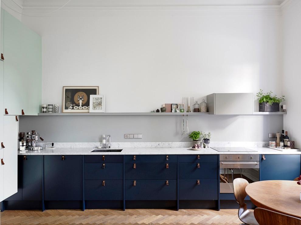кухня синього кольору