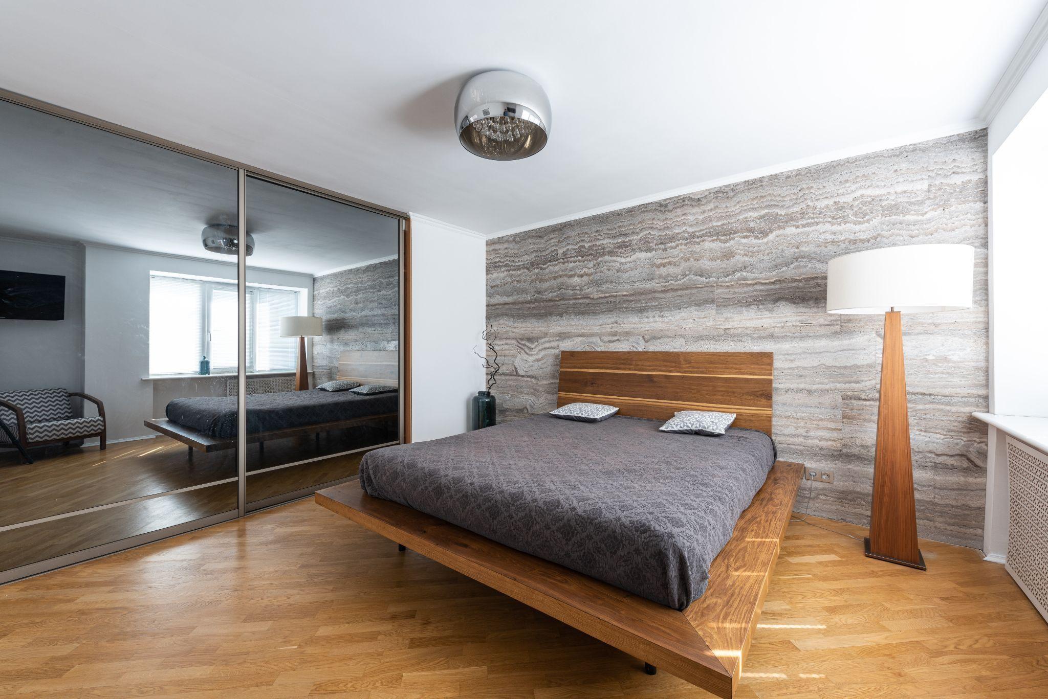 Класичний дизайн спальні в стилі мінімалізм