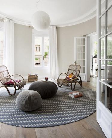 Модні дизайнерські килими в інтер'єрі 2021